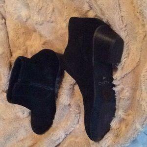 Aldo Shoes - Never worn Aldo suede booties
